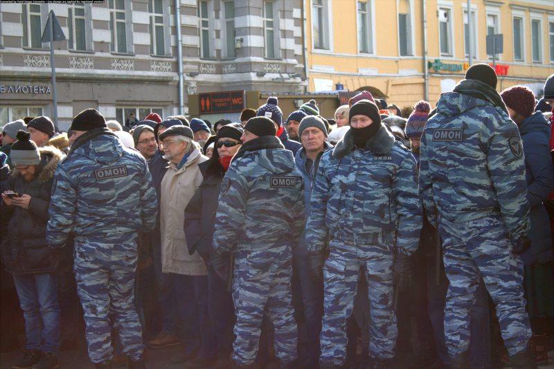 Вайскоўцы нацгвардыі на маршы памяці Барыса Нямцова ў 2017 годзе