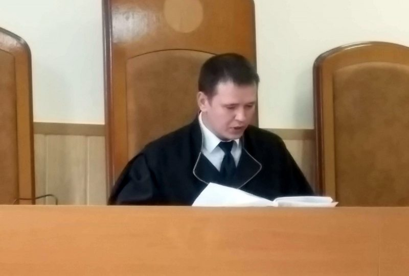 Суддзя Дзяніс Аляксеенка. Фота з сайта