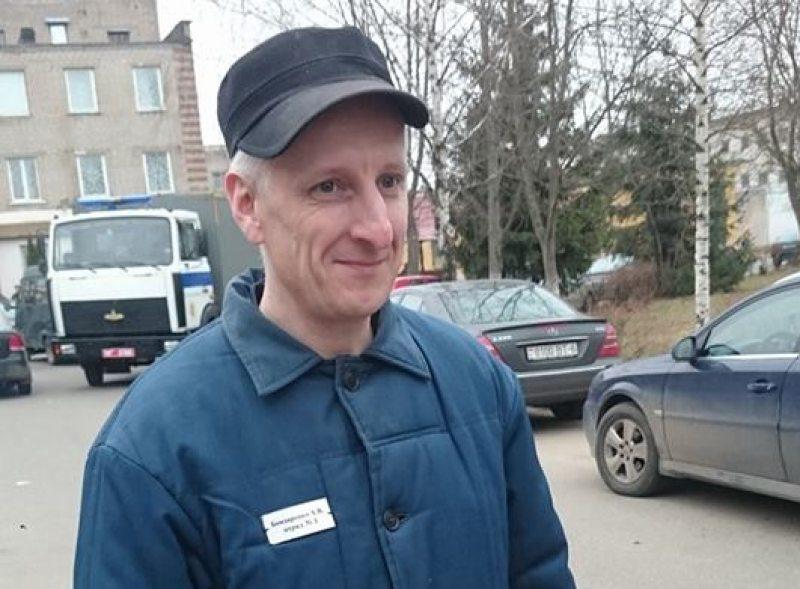 Andrei Bandarenka shortly after his release from Mahilioŭ prison. Photo: Aliaksei Kolchyn