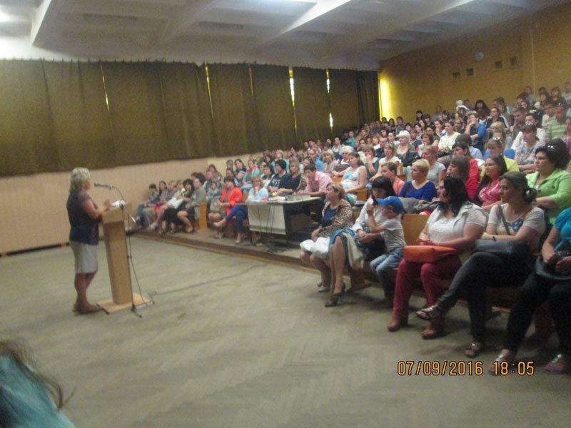Барановичи. Родительское собрание во время досрочного голосования. СШ №21