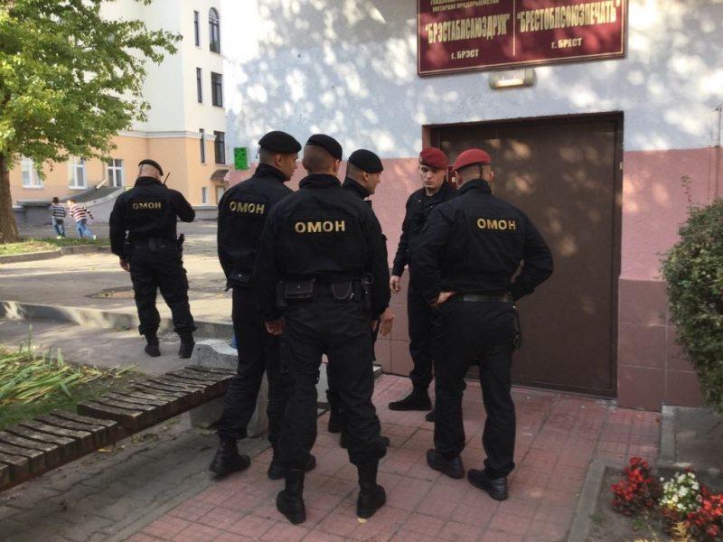 Затрыманне праціўнікаў будаўніцтва завода АКБ. ФотаРаманаКісляка