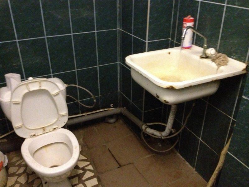 Туалет у СІЗА