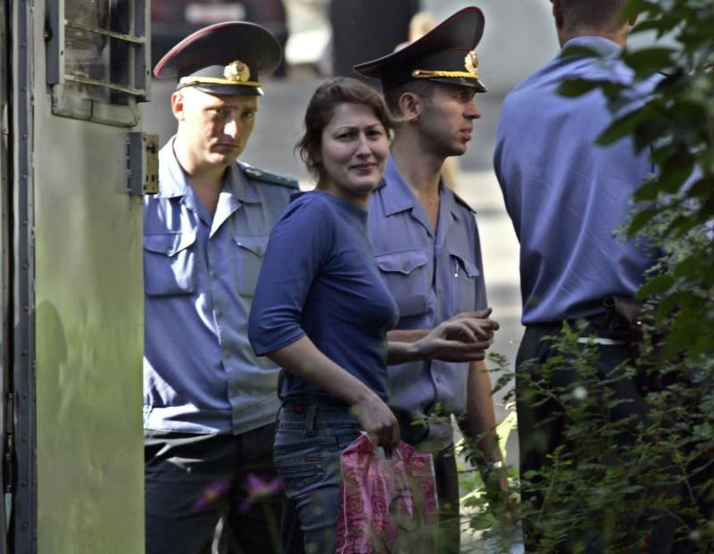 Enira Branitskaya during the trial on charges of illegal NGO membership in 2006