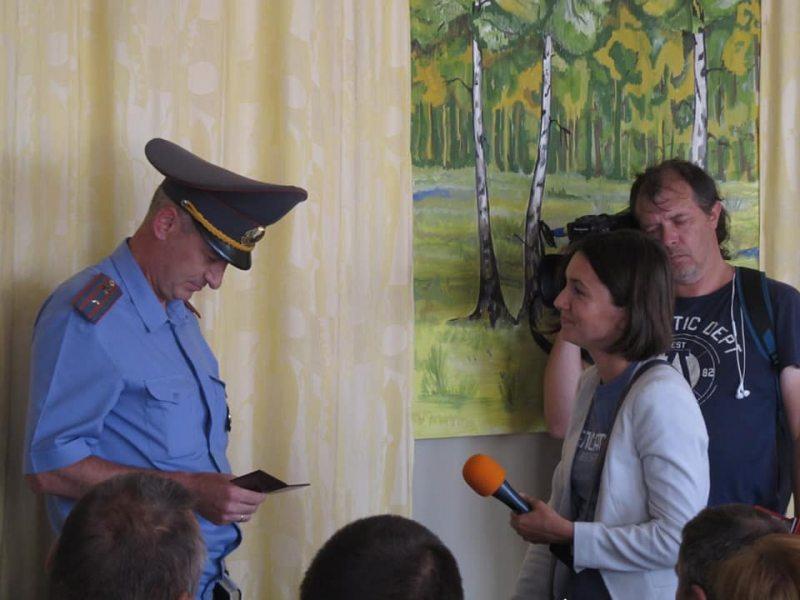 Вольга Чайчыц у аддзяленні міліцыі.