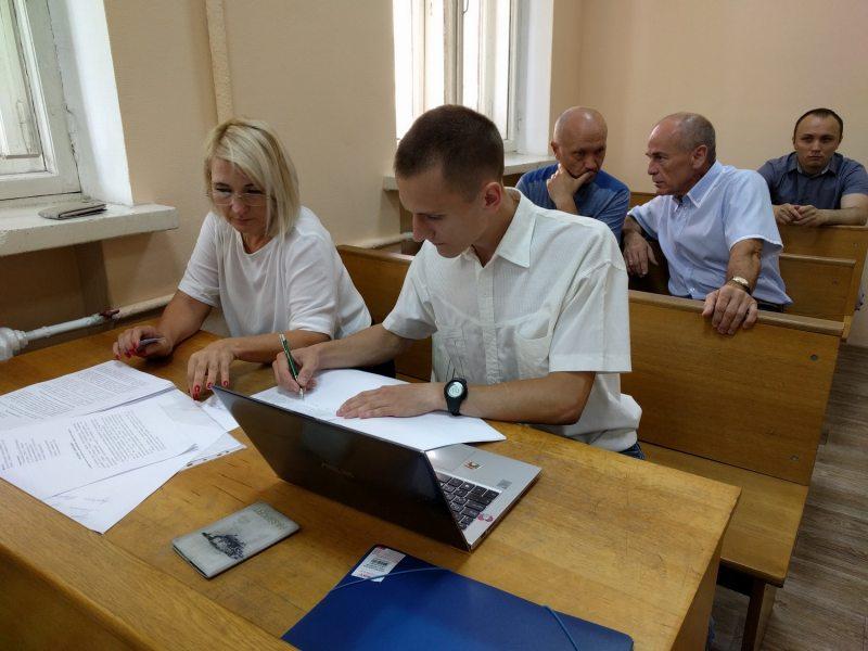 Мікалай Дзядок ў залі суда