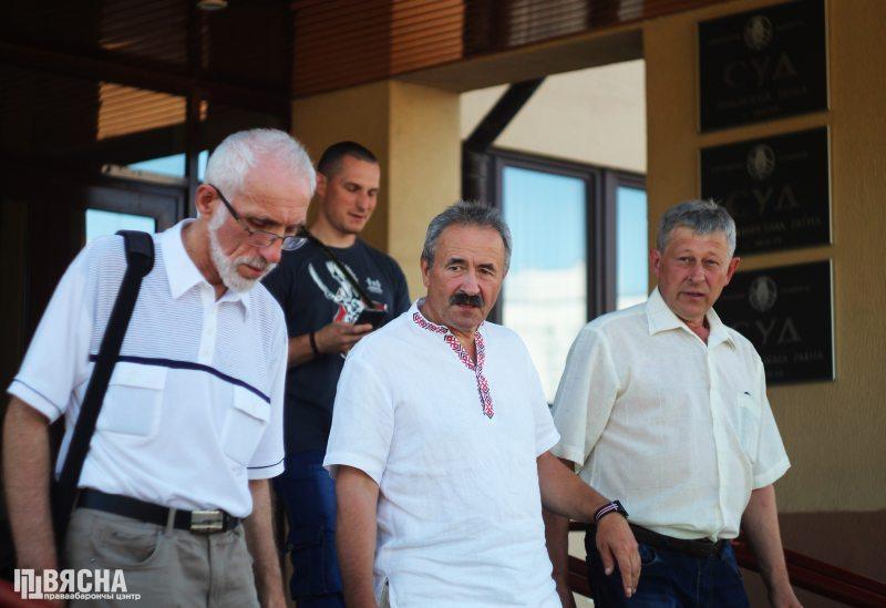Праваабаронца Барыс Бухель і Генадзь Фядыніч. Фота: ПЦ