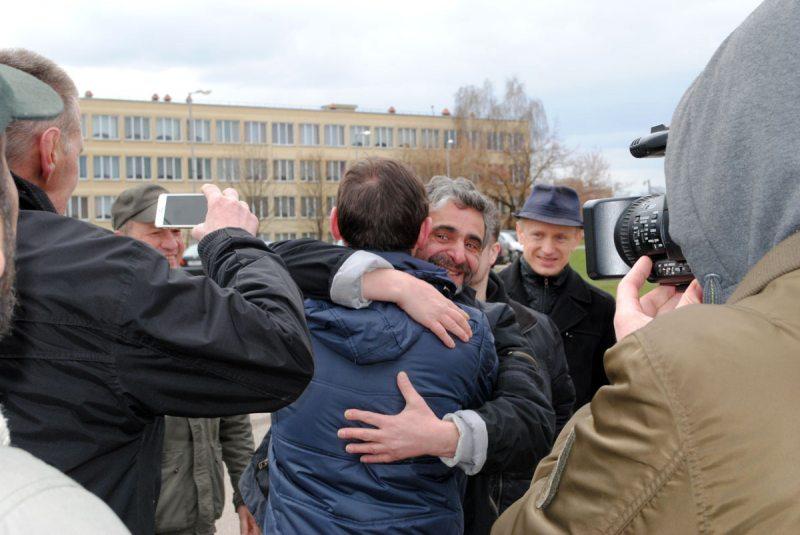Леанід Кулакоў пасля 25 сутак арышту выйшаў на волю.