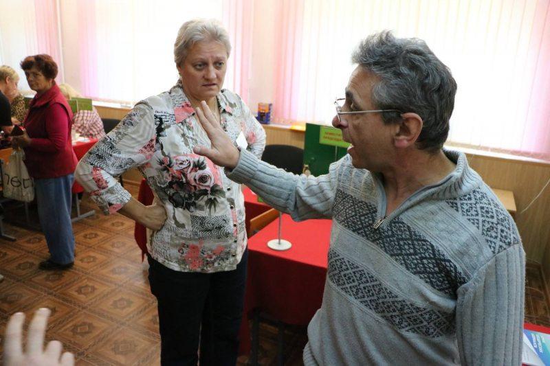 Леонид Кулаков на избирательном участке