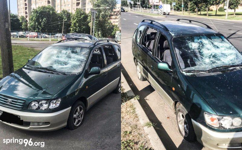 После нападения силовиков автомобиль Николая Бондаря теперь выглядит так. Фото: spring96.org