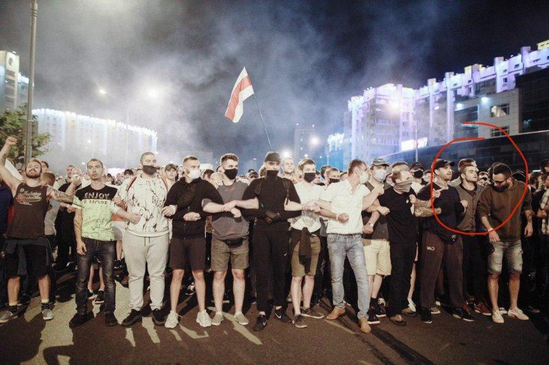 Олег Мозгов 9 августа в Минске на митинге