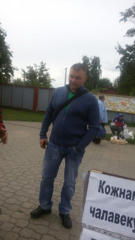 Незнаёмец, які напаў на пікет Наталлі Ільініч у Мар'інай Горцы