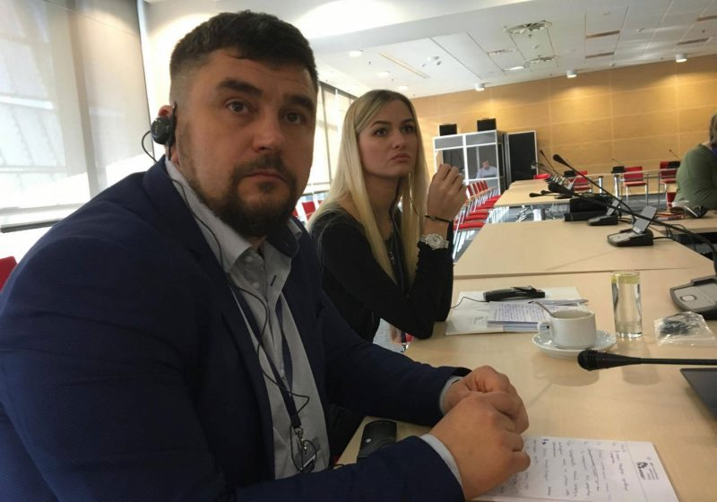 Праваабаронца Андрэй Палуда і дачка расстралянага Генадзя Якавіцкага Аляксандра