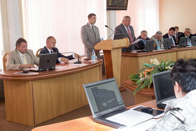 Заседание по формированию избирательных комиссий (фото с сайта minsk.gov.by)