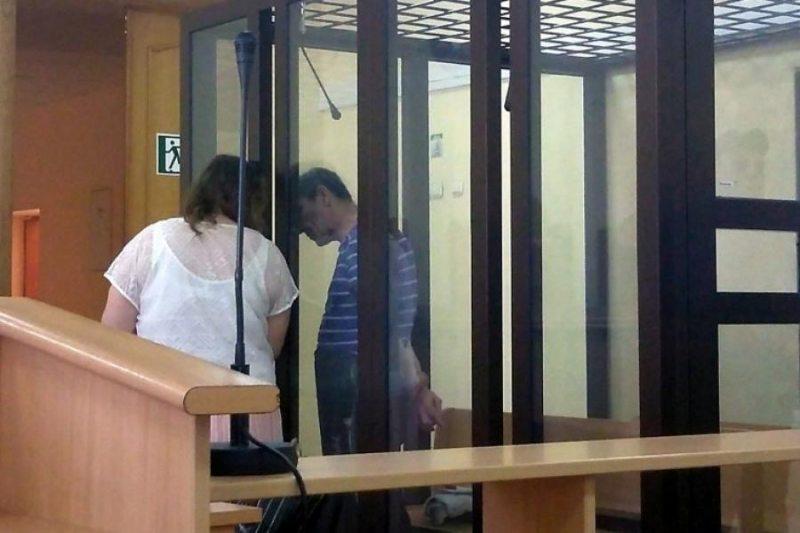 Виктор Павлов с адвокатом. Фото: