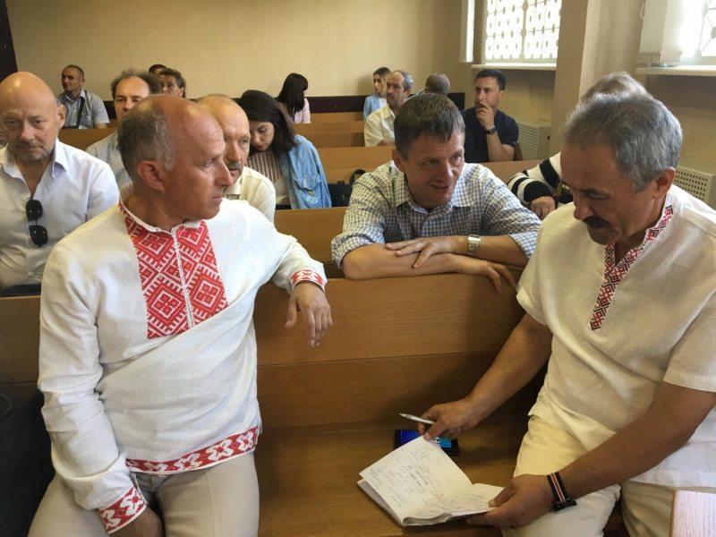 Генадзь Фядыніч і Ігар Комлік у судзе. Фота: ПЦ