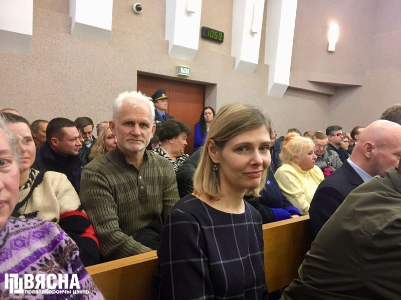 Праваабаронца Алесь Бяляцкі ў судзе па справе РЭП.