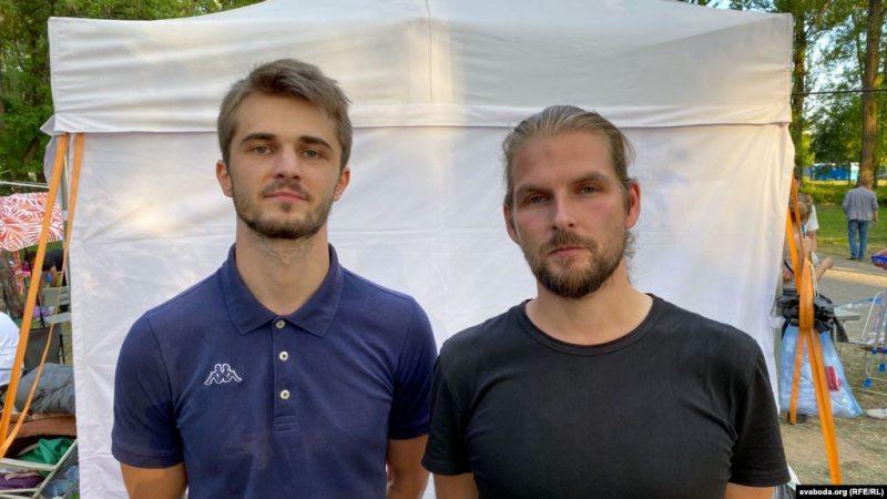 Uladzislau Sakalouski and Kiryl Halanau after their release on August 16. Photo: svaboda.org
