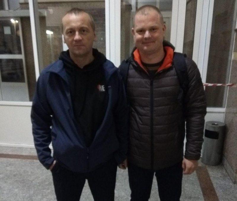 Андрэй Шарэнда з праваабаронцам Аляксандрам Вайцешыкам пасля вызвалення