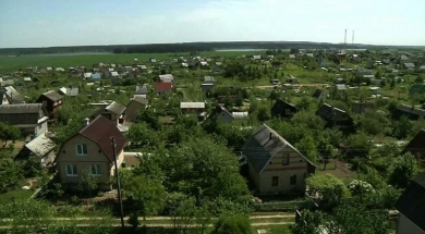The park will be constructed in Smaliavichy area. Summer residents are worried for their houses. Photo by belsat.eu