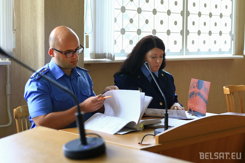 """Сторона обвинения на суде по """"делу профсоюзов"""". Фото: Белсат."""