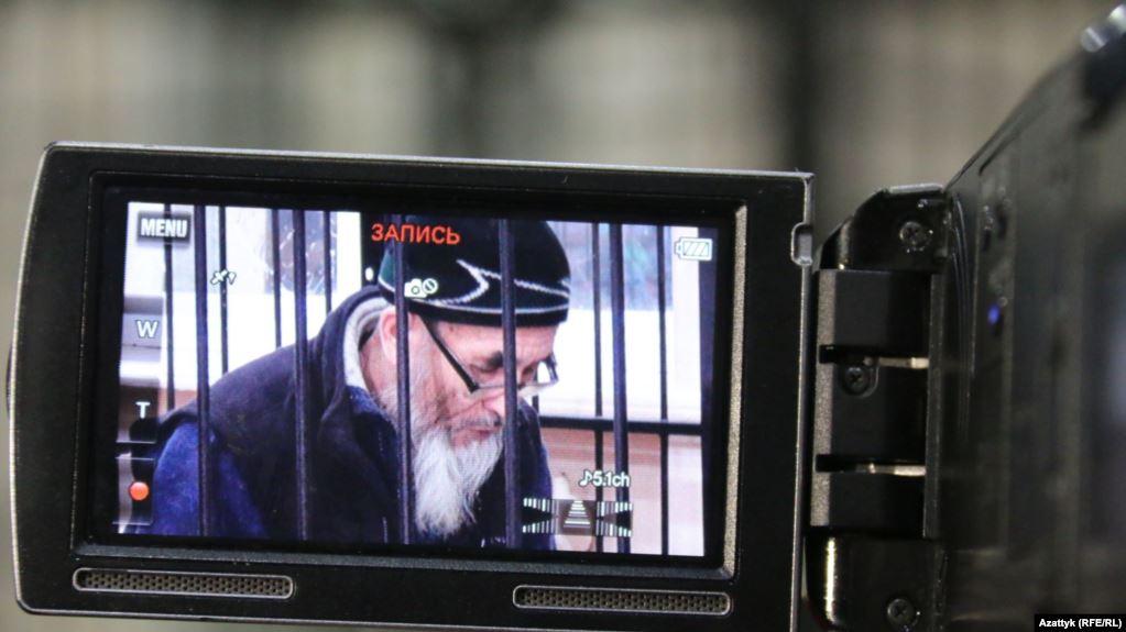 Праваабаронца Азімжан Аскараў на пасяджэнні суда ў Бішкеку. 10 студзеня 2017 года. Фота Радыё Свабоды Кыргызстана