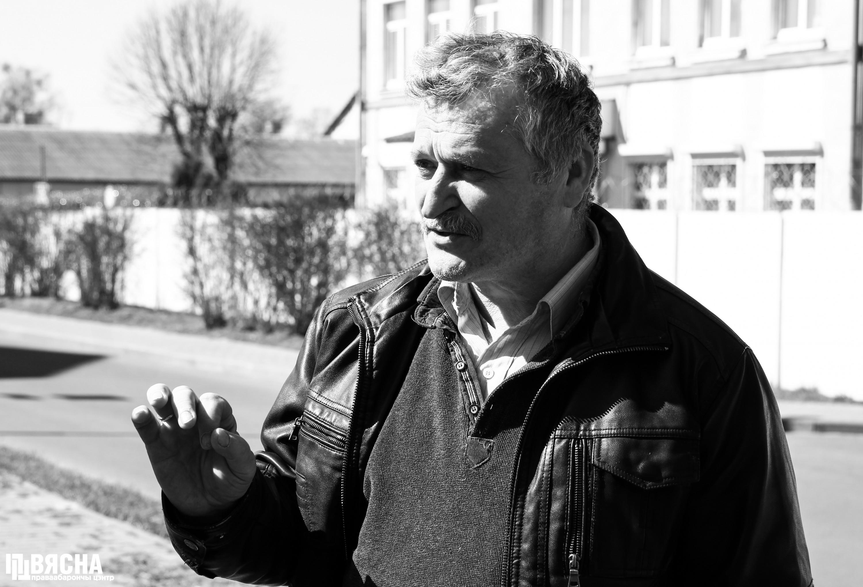 Праваабаронца Уладзімір Вялічкін пасля вызвалення з ізалятара. Фота: ПЦ