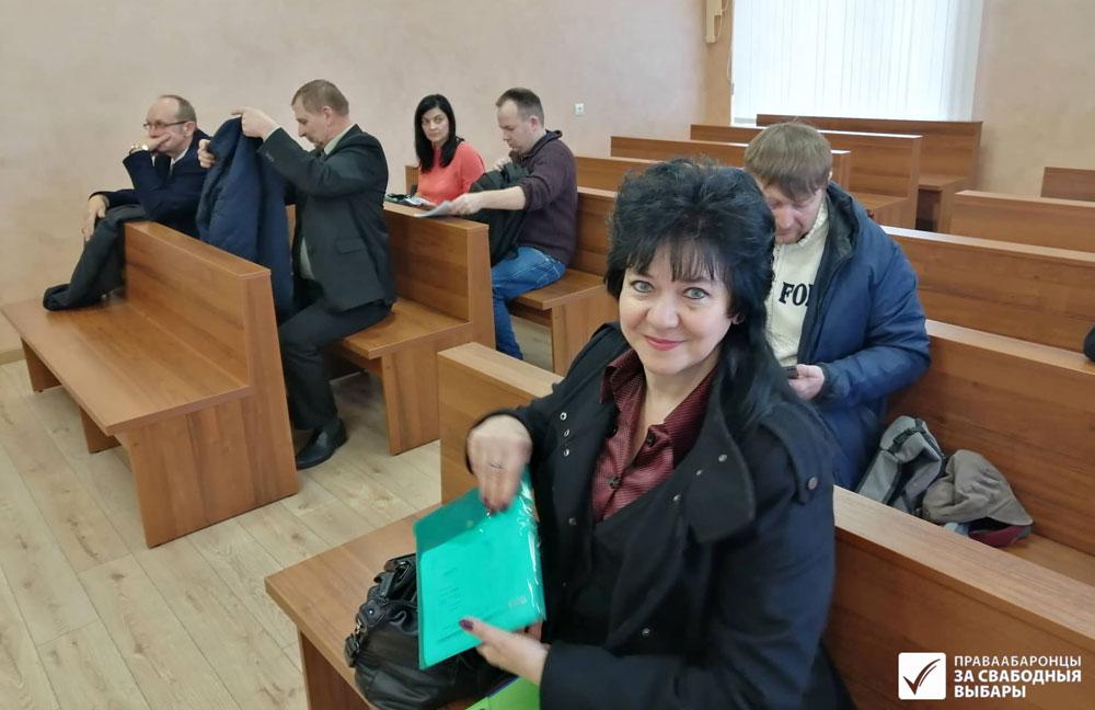 Ірына Давідовіч у судзе.