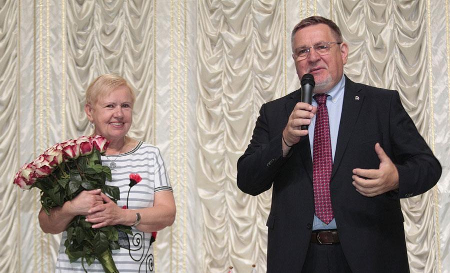 Лідзія Ярмошына і Генадзь Давыдзька. Фота: belayarus.by