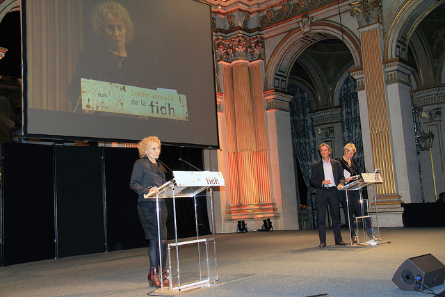 Саша Кулаева на ежегодной встрече FIDH в Париже, 2013 г.