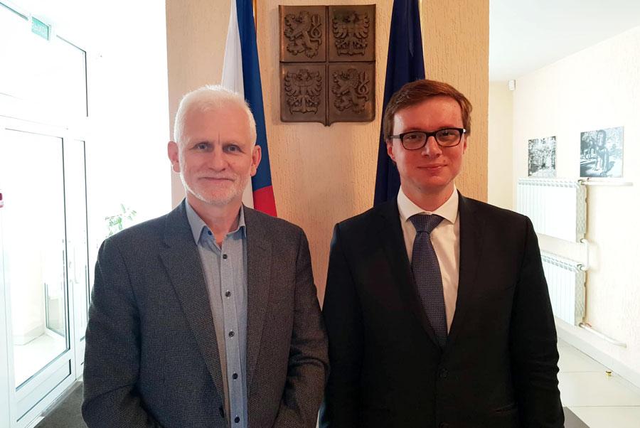 "Алесь Бяляцкі і Алеш Хмеларж. Фота ПЦ ""Вясна""."