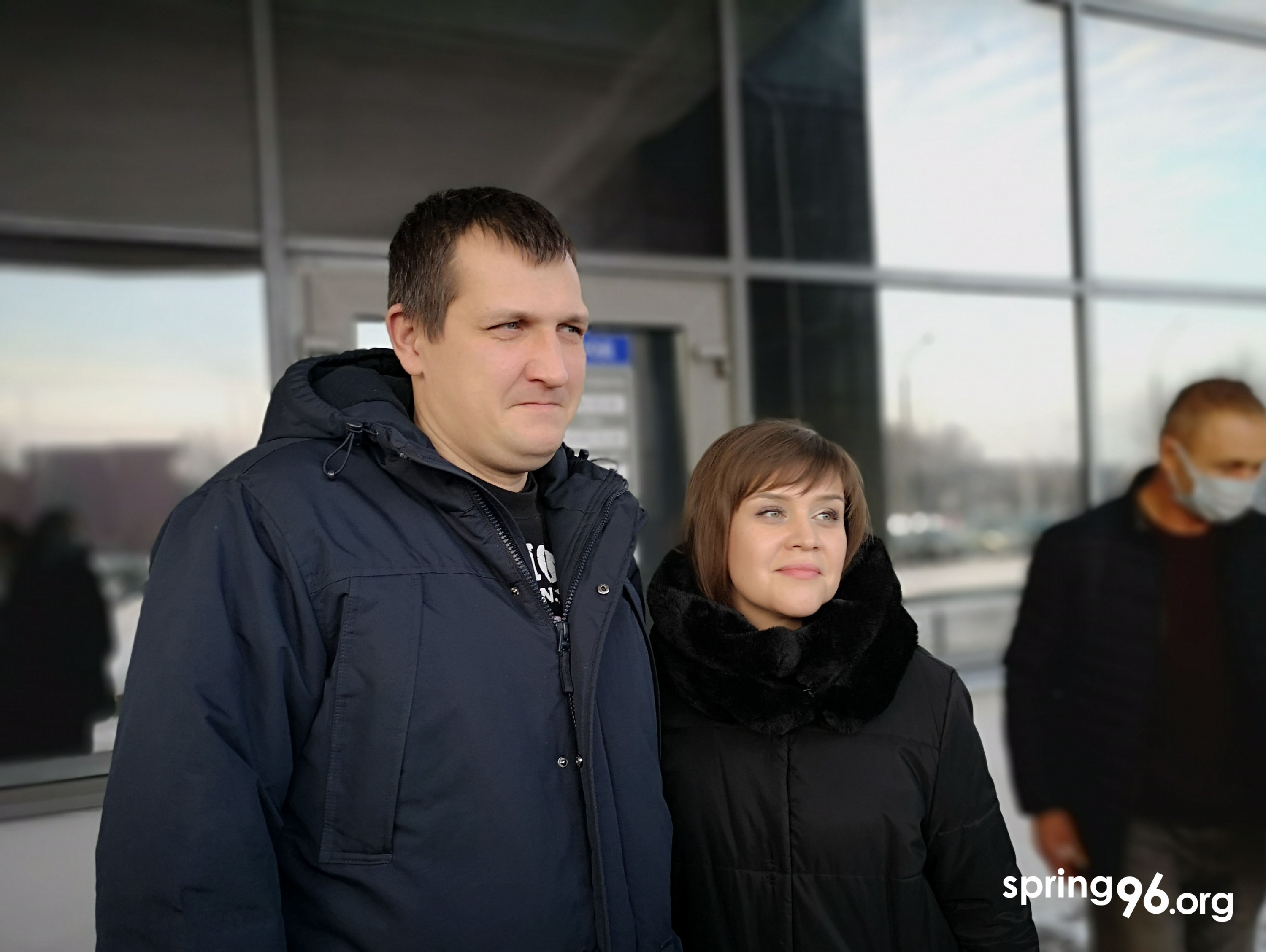Dzmitry Kulakouski next to his wife after the trial on January 22, 2021