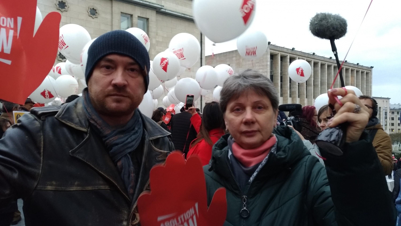 Валянцін Стэфановіч і Любоў Кавалёва на Сусветным маршы супраць смяротнага пакарання. Брусэль,2019 год