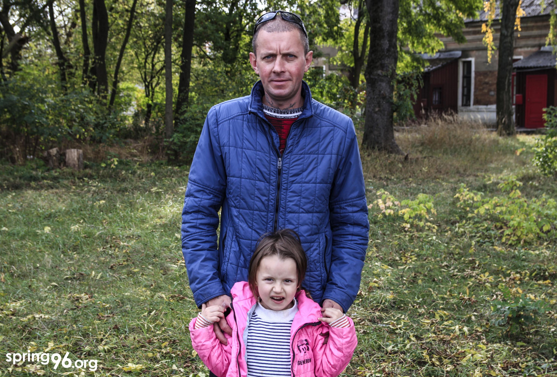Сергей Мовшук, муж Елены, с их с дочерью Кариной. Фото: spring96.org