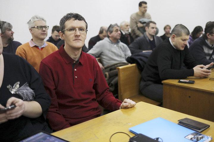 Журналіст газеты Дзяніс Івашын. Фота: Дзмітрый Брушко, TUT.BY
