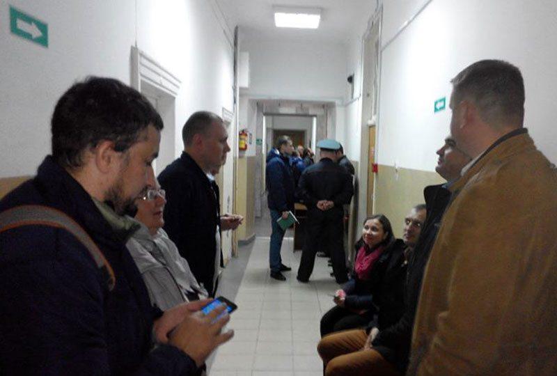 У судзе па заяве блогера Пятрухіна 8 лістапада. Фота Уладзіміра Вялічкіна.