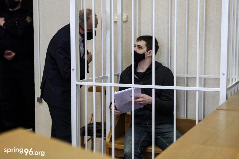 Раман Канановіч у судзе 10 лютага. Фота: spring96.org