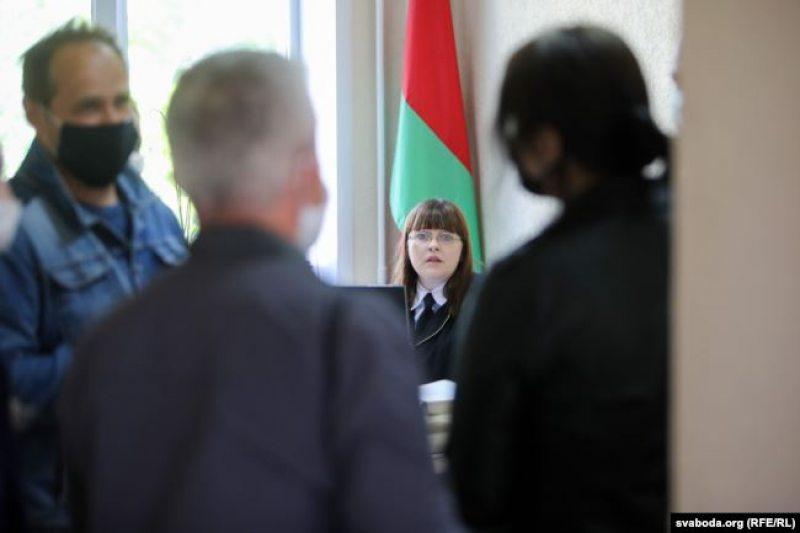 Судья Наталья Ясенко без маски. Фото: