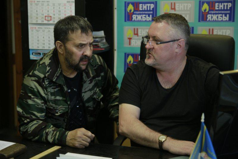 Мікалай Ануфрыеў і праваабаронца Леанід Судаленка
