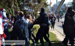 Woman suffers leg fracture after violent detention in Homieĺ protest