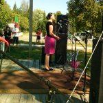 Провластная кандидатка из Светлогорска проводит агитацию по деревням с концертами