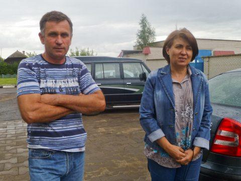 Виктор Шапутько с женой (фото с соцсеток)