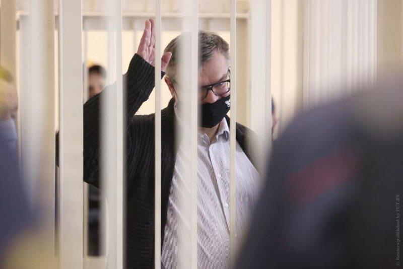 Віктар Бабарыка ў судзе. Фота Reuters