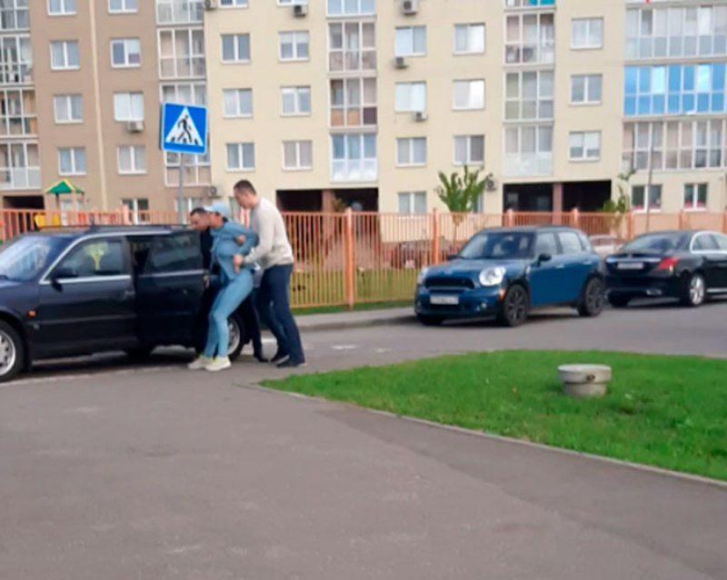 Затрыманне ў Мінску 1 верасня. Скрыншот з відэа.