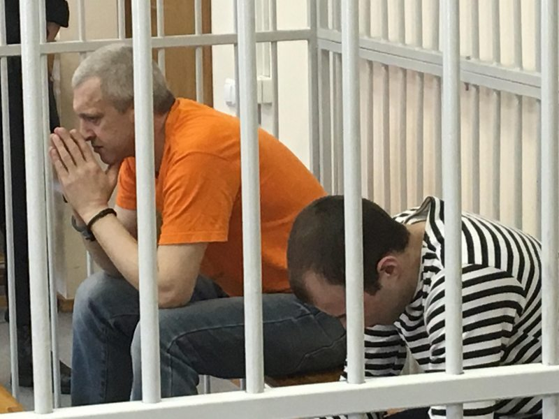 Death convicts Aliaksandr Zhylnikau and Viachaslau Sukharko during an appeal hearing at the Supreme Court. May 29, 2018