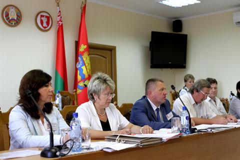Жодино. Заседание окружной комиссии по регистрации кандидатов в депутаты. Фото Алексея Лапицкого